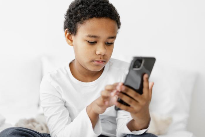 10-15 Yaş Çocuklara Telefon Almak İçin Rehber