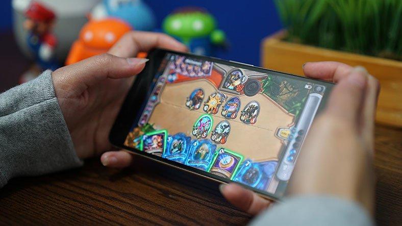 arkadaslarinizla oynayabileceginiz mobil oyun