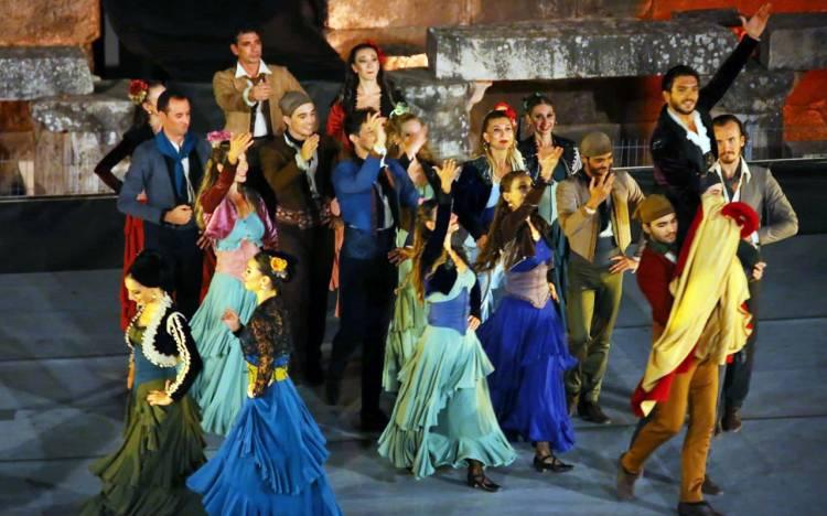 İzmir Efes'te 'Carmen' büyüsü